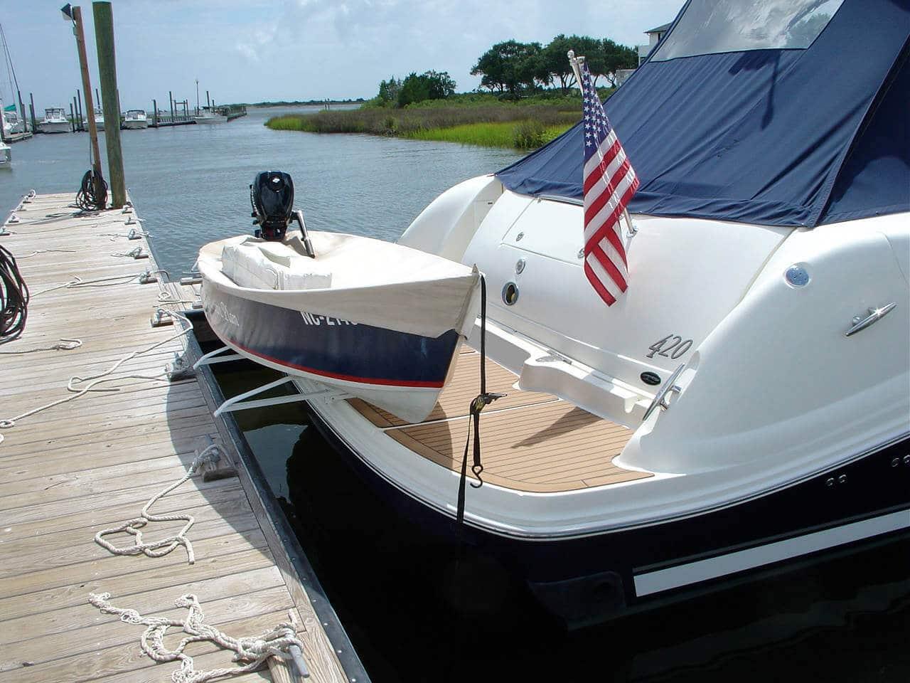 42 39 Searay Boat With Hurley Dinghy Davit Hurley Marine